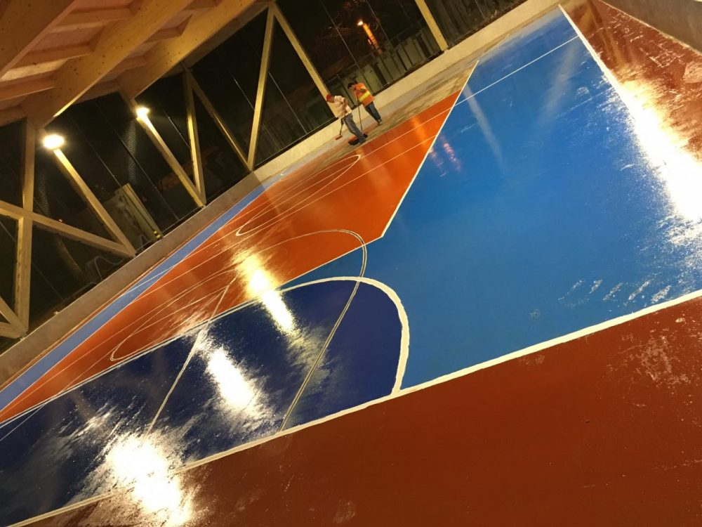 quadra azul-laranja